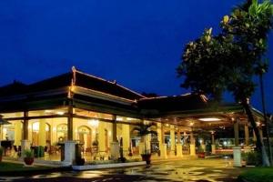 Hotel Bintang 5 di Solo di Bawah 500 Ribu